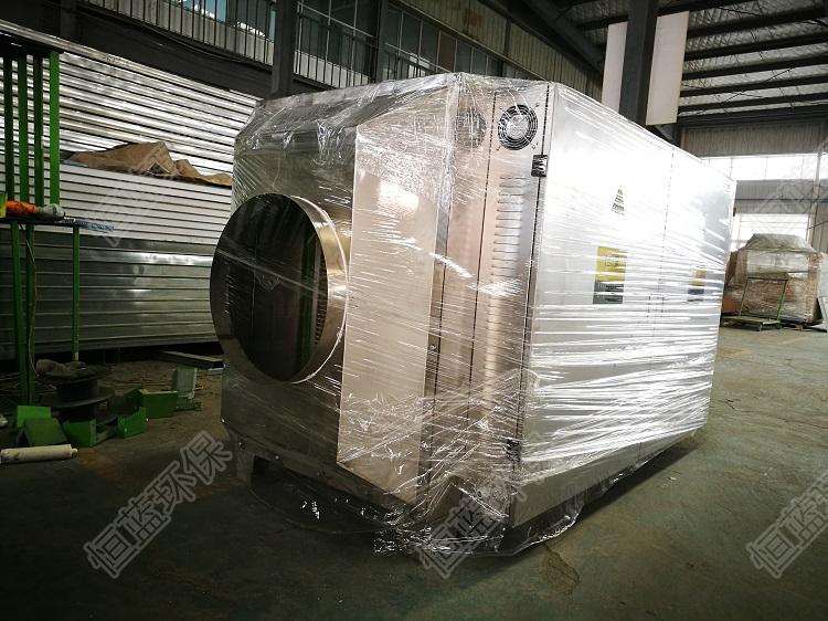 图为工厂废气处理措施中常用的光氧化废气净化设备