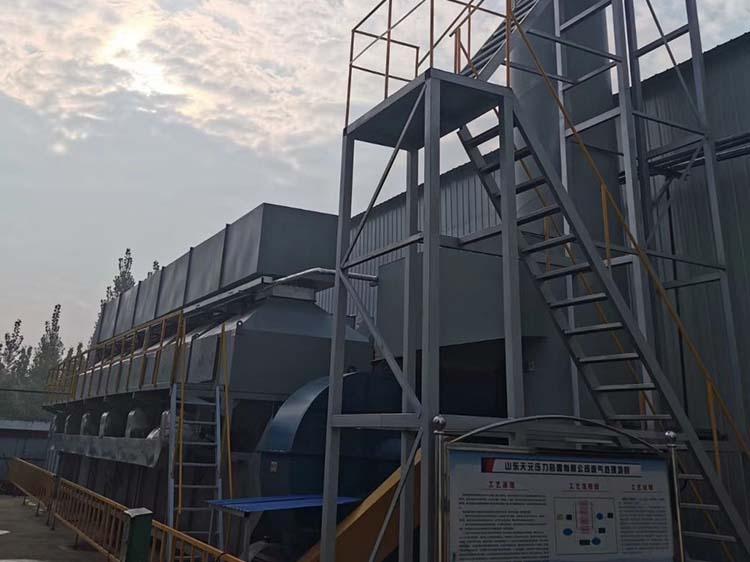 30000风量活性炭催化燃烧设备工程案例实拍02